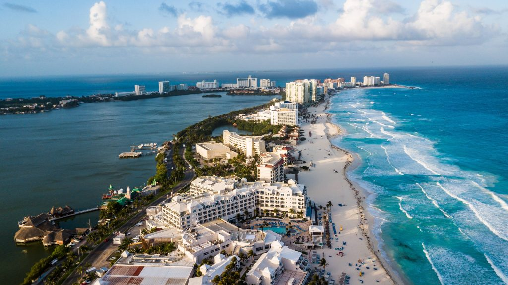 Normativa y leyes del sector turismo. El establecimiento hotelero